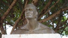 Busta indiánského náčelníka Hatueye, Baracoa