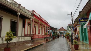 Ulice kubánského města Baracoa